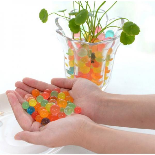 Vandens kamuoliukai augalams drėkinti
